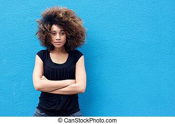frau- denken, arme, junger, gekreuzt, afrikanisch