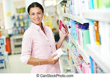 frau- einkaufen, in, supermarkt
