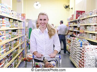 frau- einkaufen, supermarkt