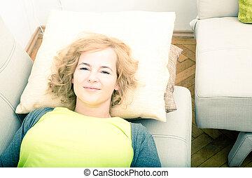 sofa frau bergewichtige entspannend bild suche foto clipart csp7433007. Black Bedroom Furniture Sets. Home Design Ideas