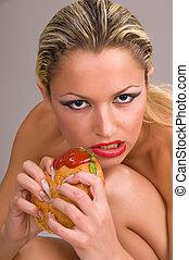 frau essen, a, hamburger