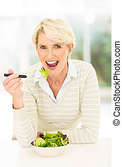 frau essen, salat, alter, mittler, gemüse, frisch