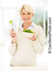frau essen, salat, alter, mittler, grün
