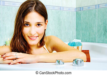 badewanne frau junger liegen entspannen sch ne br nett metall textilfreie badet wanne. Black Bedroom Furniture Sets. Home Design Ideas