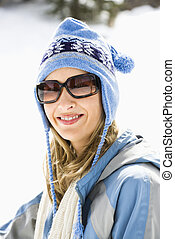 frau, in, ski, cap.