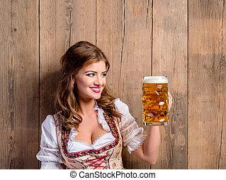 frau, in, traditionelle , bayerischer, kleiden, besitz, bier