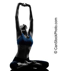frau, joga, sitzen, dehnen, meditieren, trainieren