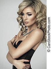 frau, junger, damenunterwäsche, posierend, blond, sexy, studio, schwarz
