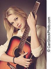 frau, junger, Gitarre, Spieler, Porträt, blond