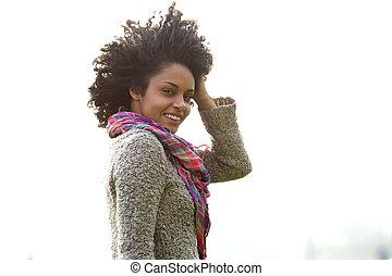 frau, junger, hand, haar, amerikanische , attraktive, afrikanisch