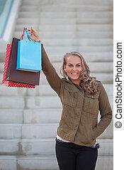 frau, käufer, mit, einkaufstüten