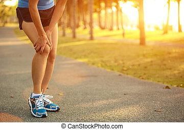 frau, läufer, bein, verletzt, sport