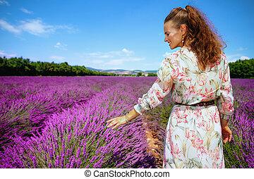 frau, lavendel, frankreich, feld, berühren, provence