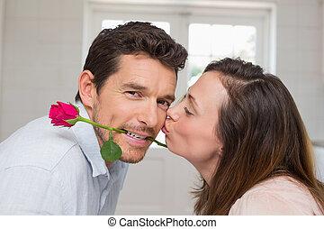 frau, mann, küssende , ansicht, seite, mögen