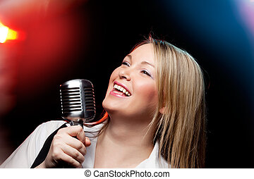 frau, mit, retro, mikrophon