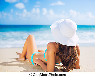 frau, sandstrand, entspannend