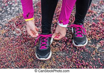 frau, schuhe, läufer, folgen lauf, fitness, schnürung