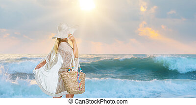 frau, stilvoll, gehen, strand