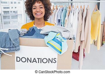 frau, teilnehmen, an, wohltätigkeit