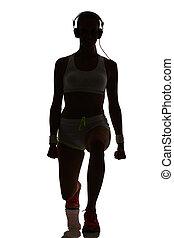 frau, trainieren, fitness, workout, lunges, kauern, gewichtstraining, in, silhouette