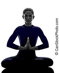 frau, trainieren, padmasana, lotus haltung, joga, silhouette