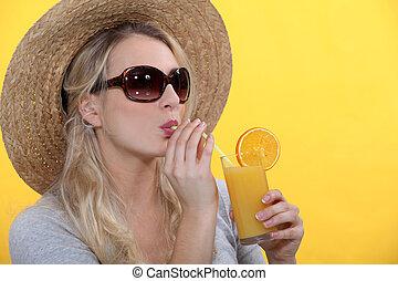 frau, trinken, jus d orange