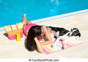 frau, und, hund, an, schwimmbad