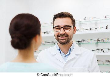 frau, und, optiker, in, brille, an, optik, kaufmannsladen