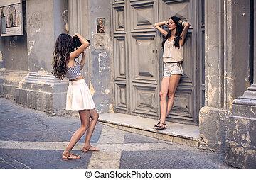 frauen, machen fotos