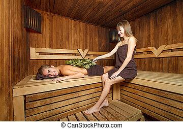 sch ne frauen zwei sauna sch ne frauen sitzen zwei stockfoto fotografien und. Black Bedroom Furniture Sets. Home Design Ideas