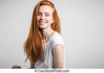 freckles, gengibre, olhar, câmera, headshot, retrato, menina sorri, feliz