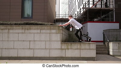 Freerunner Training in the City - Freerunner is jumping...
