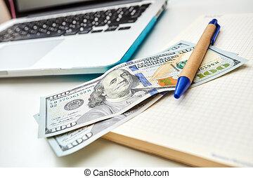 freiberuflich, schreibtisch, mit, geld, und, notizblock