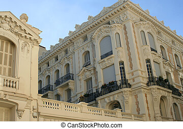 french architecture - building facade in Nice, France