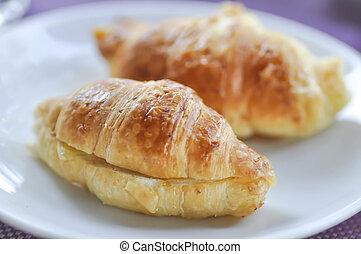 croissant or croissant sandwich