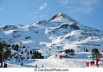 The ski resort Pierre Saint Martin is a perfect place for relax skiing in nature. It is settled on the west of Pyrenees.