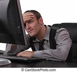 frente, computador, jovem, homem infeliz