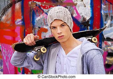 frente, homem, graffiti, jovem, cool-looking