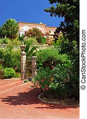 frente, luxuriante, jardim, vila