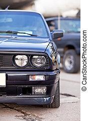 frente, vista lateral, de, negro, viejo, coche