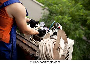 freon, gas, aria, maestro, condizionamento, installare, nuovo, conditioner., rimozione, tubi, preparare