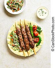 fresco, adana, vegetales, kebab, flatbread