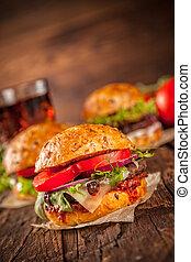 fresco, casalingo, hamburger, servito, su, legno