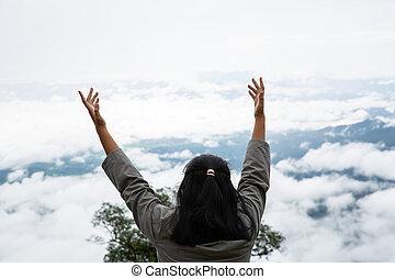 fresco, feliz, profundo, respiração, montanha, adolescentes, respirar, limpo, topo, ar