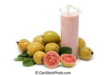 fresco, guaiava, frutta, con, foglie, e, milkshake, bianco, fondo