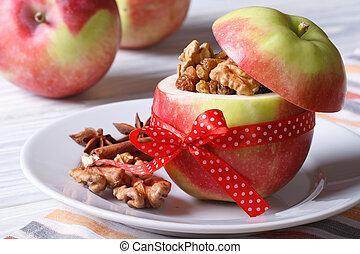 fresco, maçã vermelha, enchido, com, nozes, e, passas,...