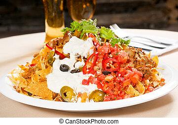fresco, nachos, e, vegetal, salada, com, carne