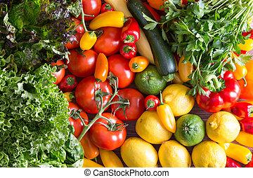 fresco, orgánico, vegetales, encima de, tabla de madera