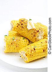 fresco, sabroso, asado parrilla, maíz, blanco, placa
