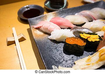 fresco, sushi, ligado, um, pretas, prato, com, chopsticks